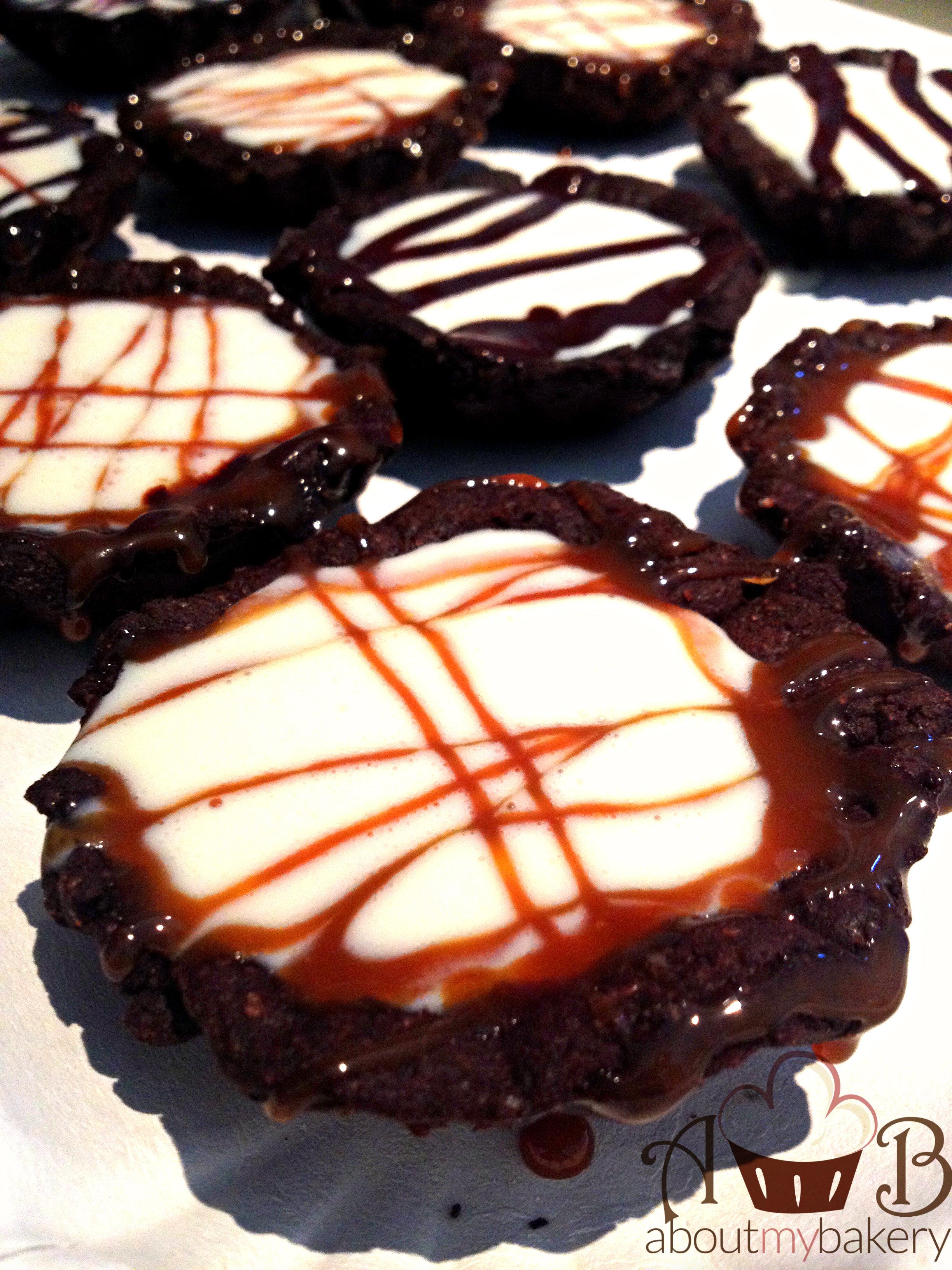 Cestini frolla cioccolato e crema mou