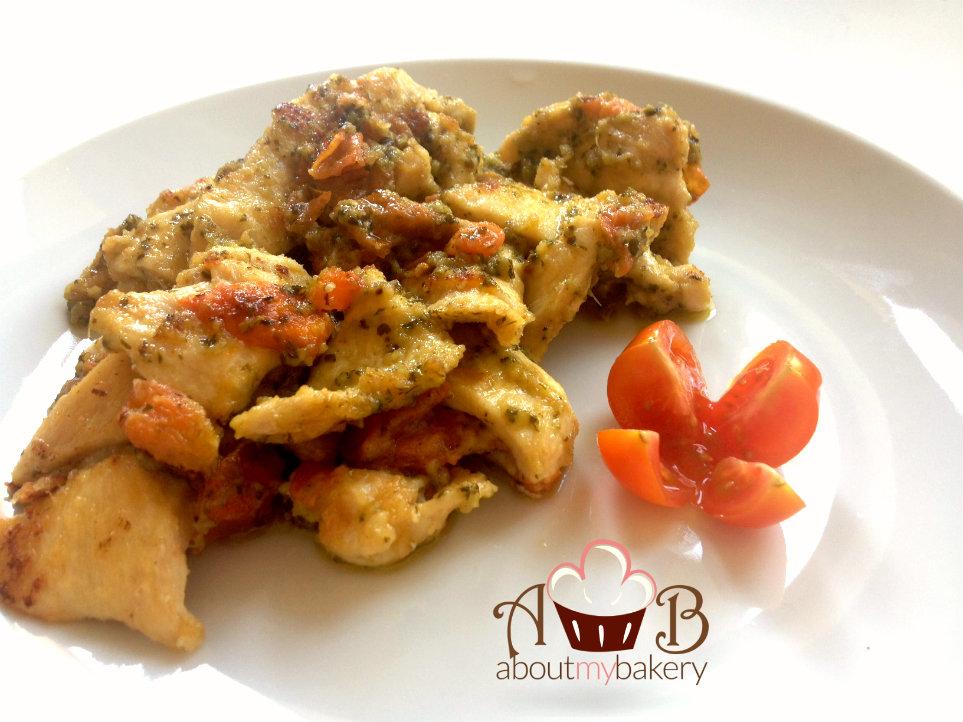 Pollo al pesto e pomodorini -Idea pollo diversa