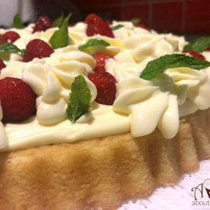 Crostata morbida fragole mascarpone | Torta veloce e fresca