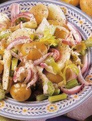 Insalata di patate novelle e mele verdi