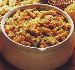 Maccheroncini piselli zucchine e sugo