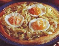 Pizza con le uova e porri