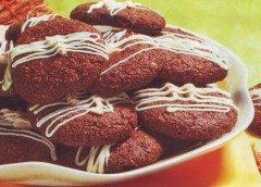 Biscotti di mandorle, nocciole e cacao