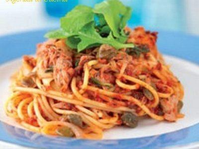 Spaghetti capperi e tonno