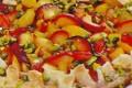 Crostata sfogliata di prugne e pistacchi