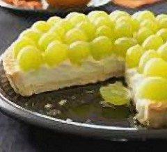 Crostata alla crema e uva