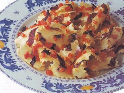 Pappardelle caserecce al radicchio e pomodoro