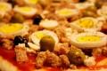 Pizza con tonno olive e uova