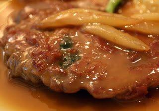 Arrosto di vitello alla salsa di pomodoro