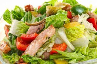 Insalata ai peperoni e olive