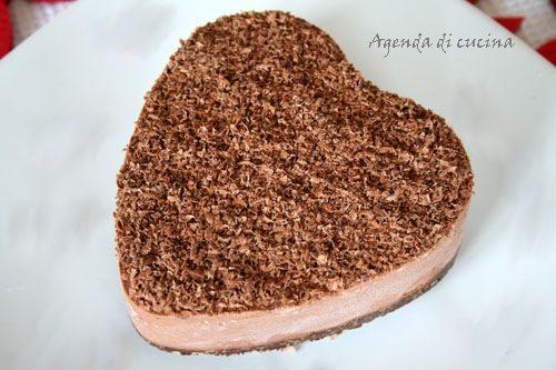 Torta cuore di cioccolato alla panna