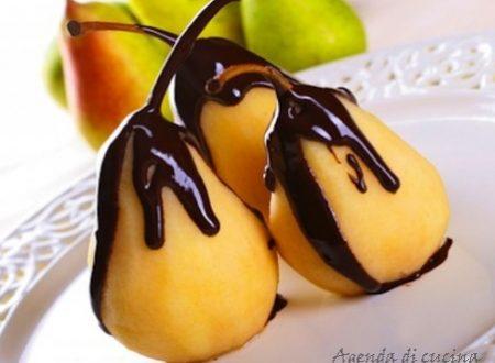 Pere sciroppate al cioccolato