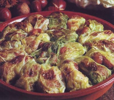 Involtini di verza salsiccia e castagne