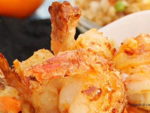 Polpa di granchio e gamberoni aromatici (cotto e mangiato)