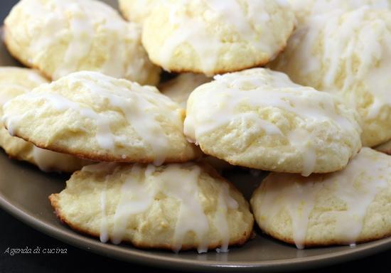 Biscotti al limone glassati