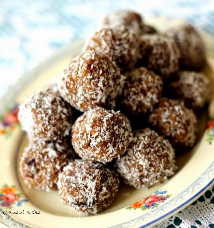 Palline di biscotti secchi e cocco