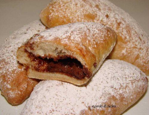 Tortelli di carnevale con nutella (Cotto e mangiato)