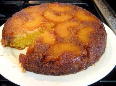 Torta d'ananas ai biscotti secchi