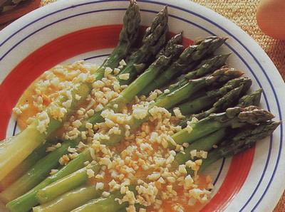 Asparagi con salsa di paté