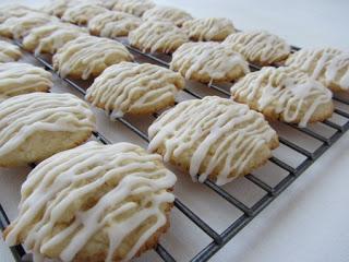 Biscotti glassati al limone