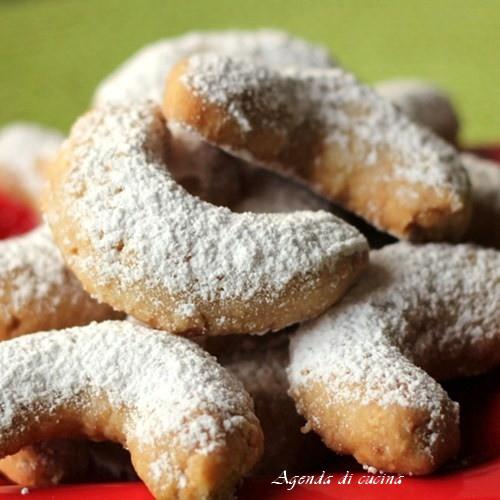 Biscotti a mezzeluna vanigliati