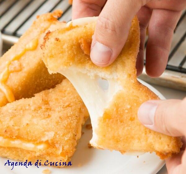 Sandwich fritti alla mozzarella