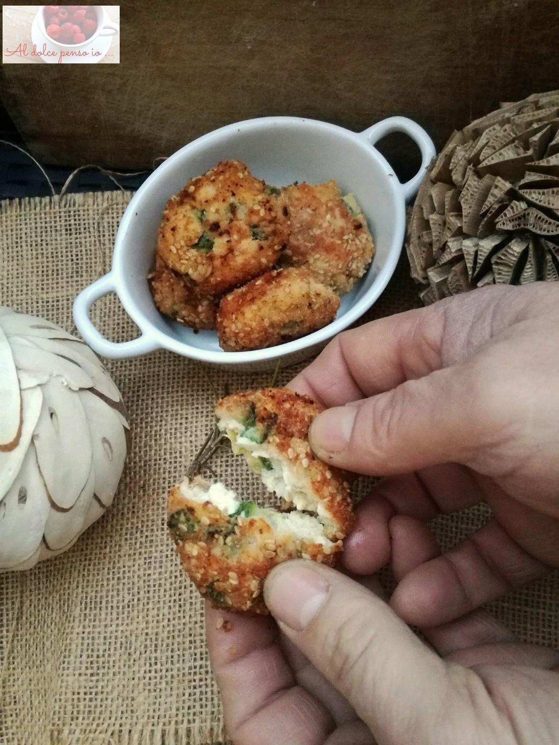 pepite di pollo e zucchine al sesamo