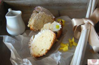 quattro quarti alla vaniglia: una torta delicata, morbida ma al contempo golosa, con una aroma di vaniglia che vi conquisterà.