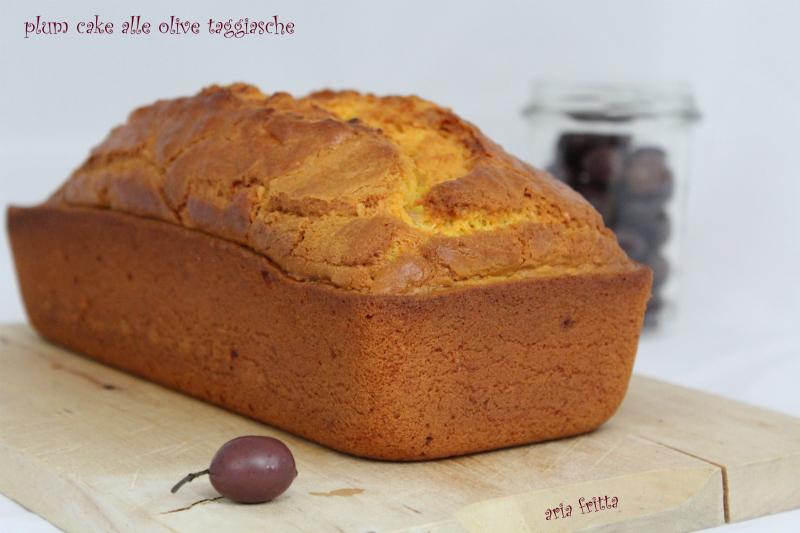 plum cake alle olive taggiasche