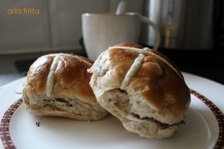 hot cross buns-001