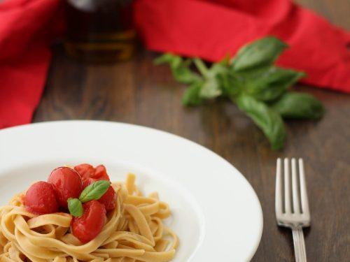 fettuccine integrali al pomodoro fresco – la semplicità