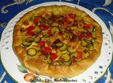 Torta salata zucchine, peperoni e pancetta!