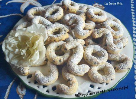 Biscotti alla ricotta con gocce di cioccolato