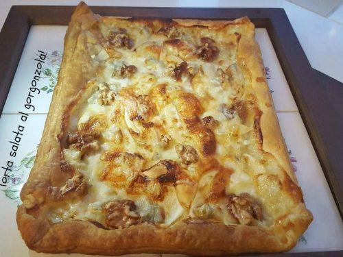 Torta salata al gorgonzola con pere e noci!