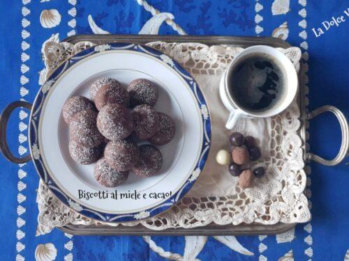 Biscotti al miele e cacao semplici e golosi!