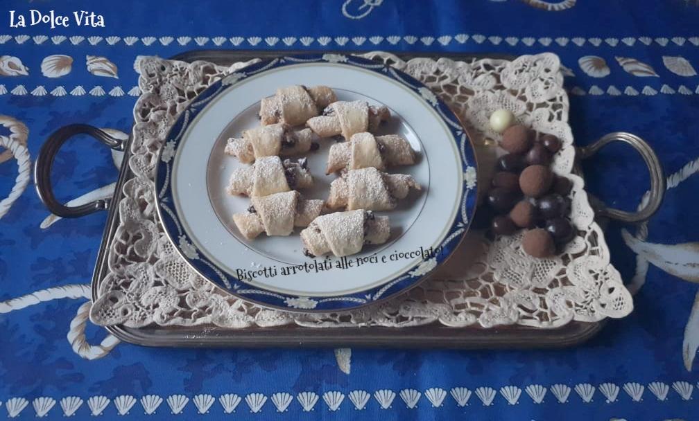 Biscotti arrotolati alle noci e cioccolato!