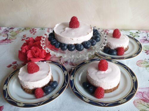 Mini cheesecake ai lamponi e ricotta senza cottura!