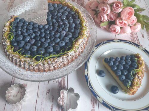 Torta con crema al limone e mirtilli fresca e golosa!