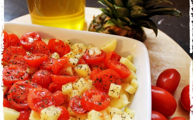 #pranzoinufficio Insalata di pomodorini e ananas aromatizzata alla menta