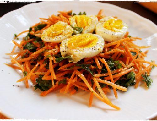 #pranzoinufficio Insalata  di carote,  prezzemolo e uova