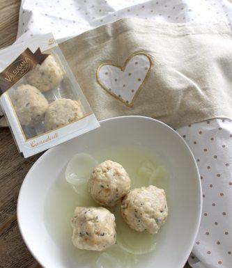 Canederli con zuppa di cipolle e porri