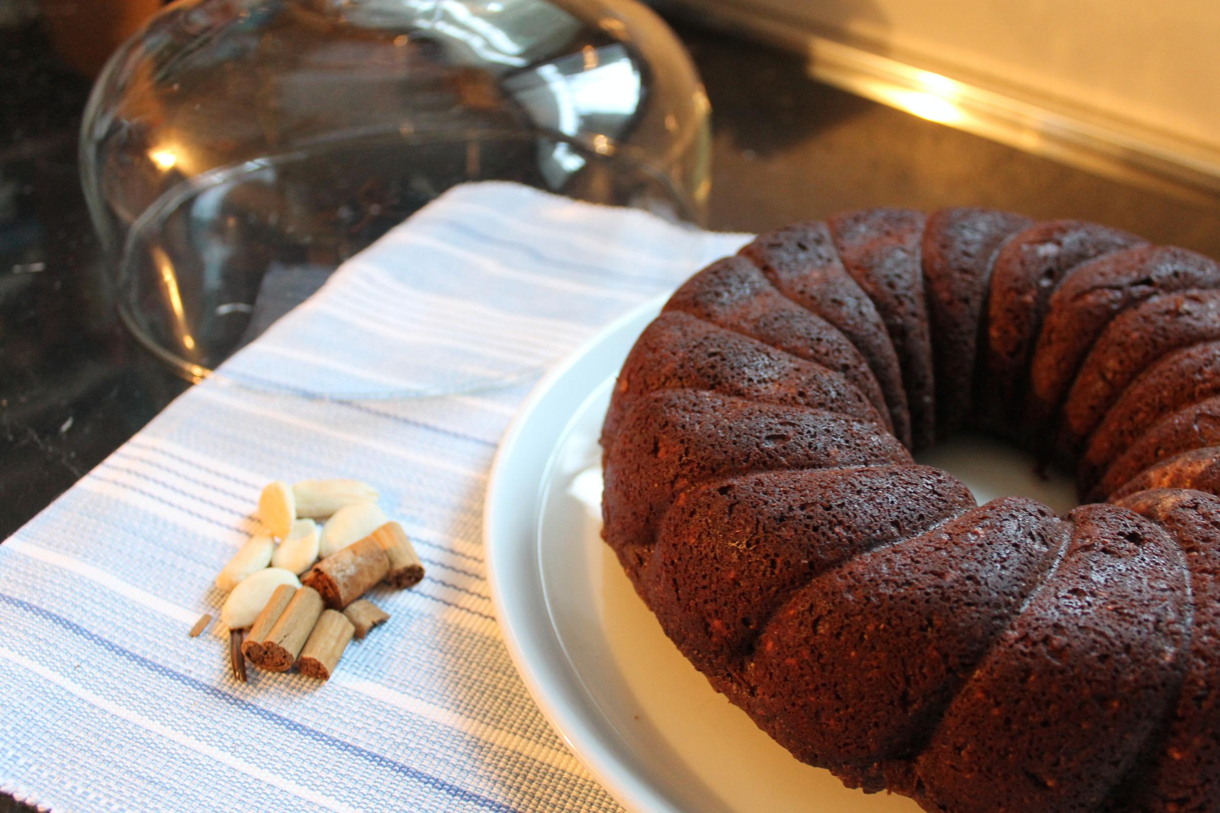 Torta cioccolato, mandorle e cannella