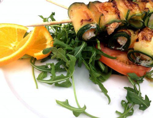 Spiedini di involtini di zucchine e gamberi