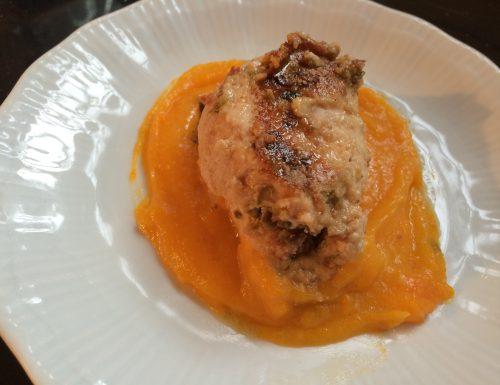 Involtini di pollo in purea di carote