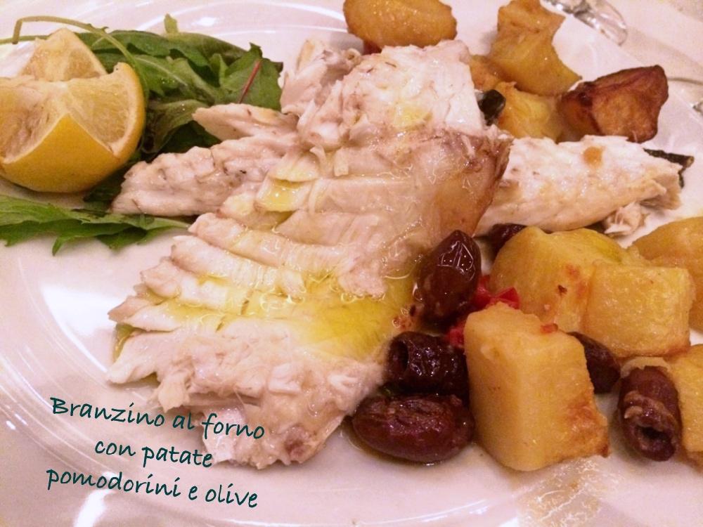 Branzino al forno con patate, pomodorini e olive - BluMirtillo