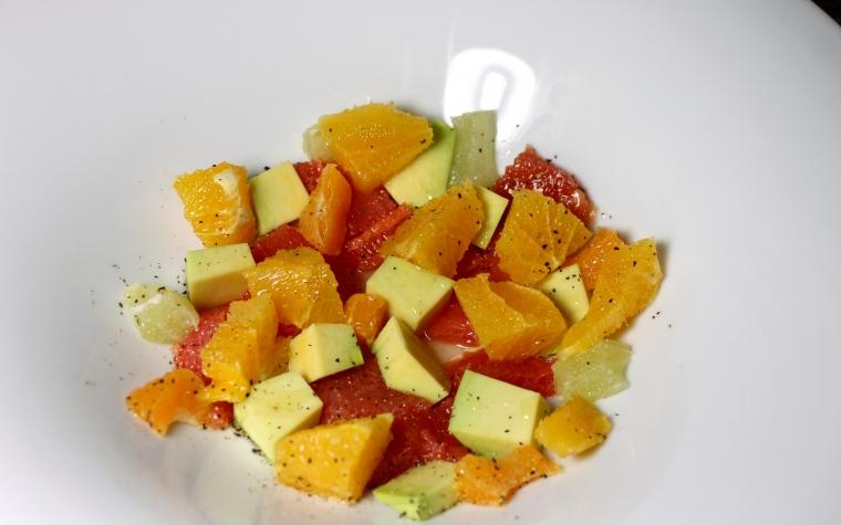 Insalata di arance pompelmo e avocado