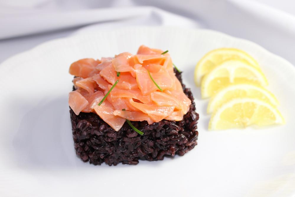Riso venere e salmone blumirtillo for Cucinare riso venere