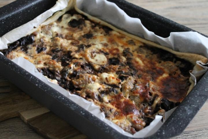 Torta salata al radicchio di Treviso e salsiccia