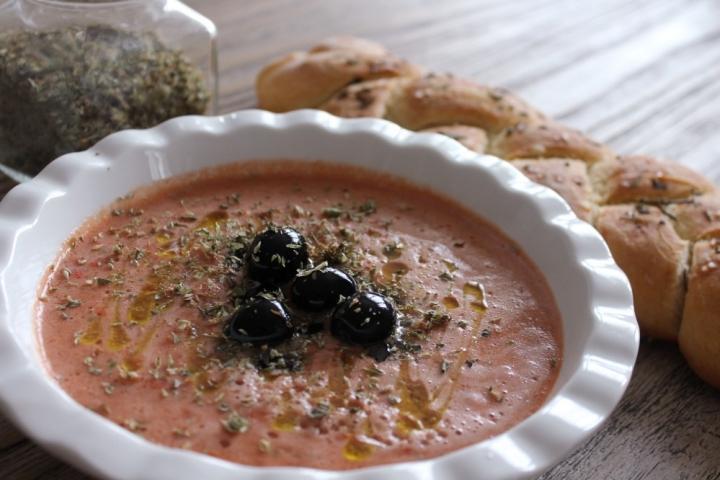 Crema di pomodori e olive nere