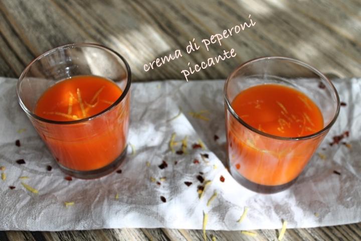crema di peperoni piccante con scritta